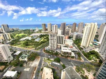444 Niu Street, PH501, Honolulu, HI 96815
