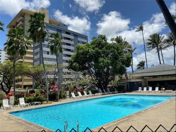 300 Wai Nani Way, 1620, Honolulu, HI 96815
