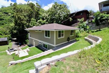 2465 Lamaku Place, Honolulu, HI 96816