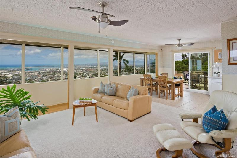2944 Pacific Hts Road, Honolulu, HI 96813