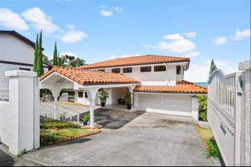 2915 Laukoa Place, Honolulu, HI 96813