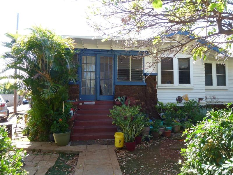 718 10th Avenue, Honolulu, HI 96816