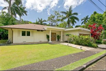 3043 Lopeka Place, Honolulu, HI 96817