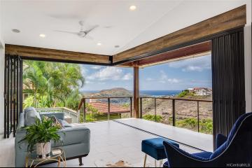 1129 Kamookoa Place, Honolulu, HI 96825