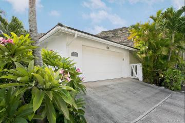 Upcoming 4 of bedrooms 3 of bathrooms Open house in Hawaii Kai on 9/27 @ 2:00PM-5:00PM listed at $998,000