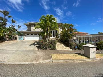 1037 Hanohano Way, Honolulu, HI 96825
