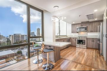 1114 Punahou Street, PH3, Honolulu, HI 96826