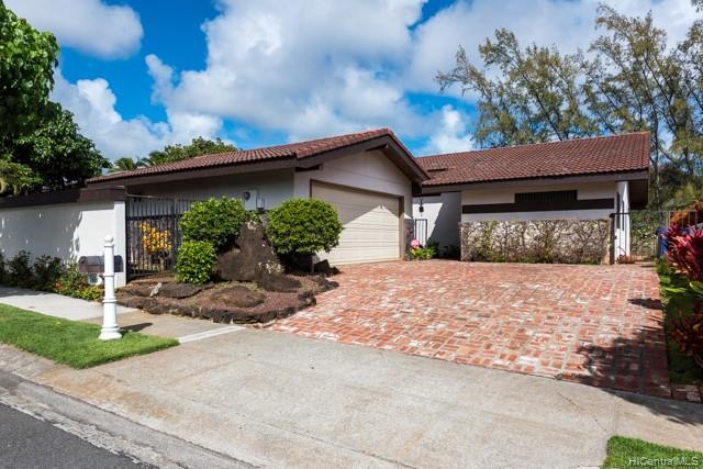 7802 Makaaoa Place, Honolulu, HI 96825