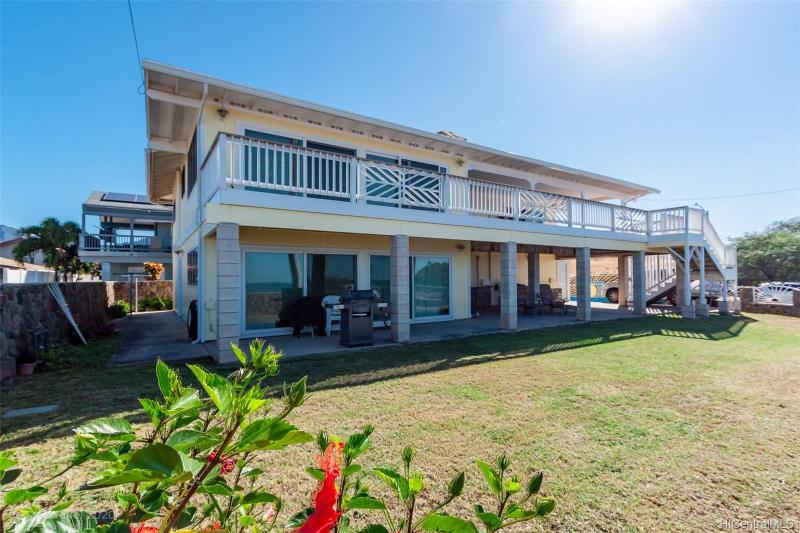 87-946 Farrington Highway, Waianae, HI 96792