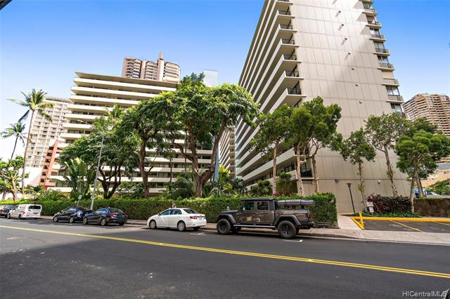 425 Ena Road, B306, Honolulu, HI 96815