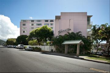 1020 Green Street, PH2, Honolulu, HI 96822