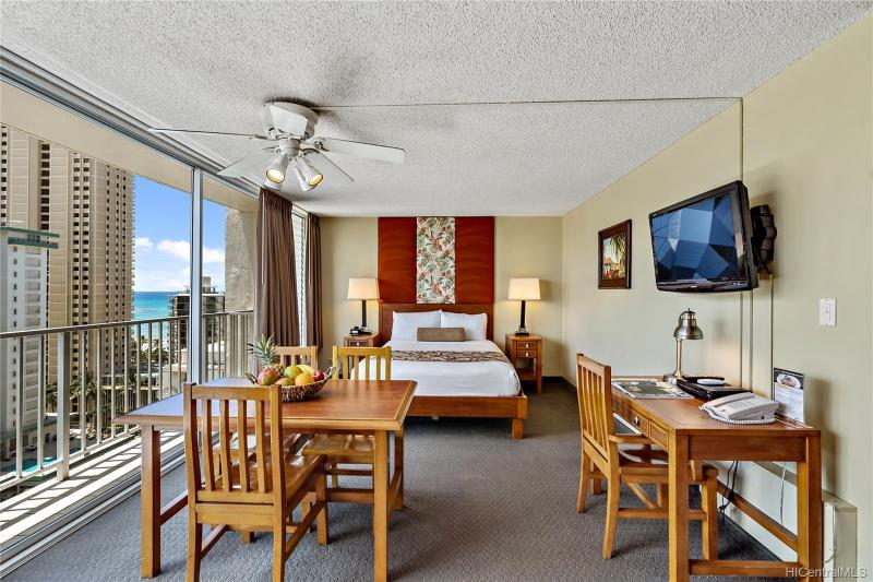 2427 Kuhio Avenue, 1608, Honolulu, HI 96815