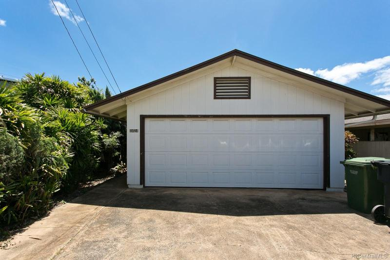 1424 Gregory Street, Honolulu, HI 96817