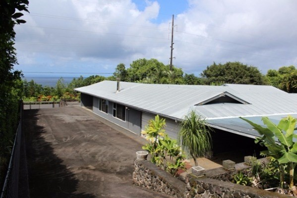 362705 Hawaii Belt Rd, Laupahoehoe, HI 96764