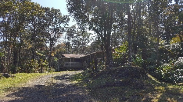 113803 9th St, Volcano, HI 96785