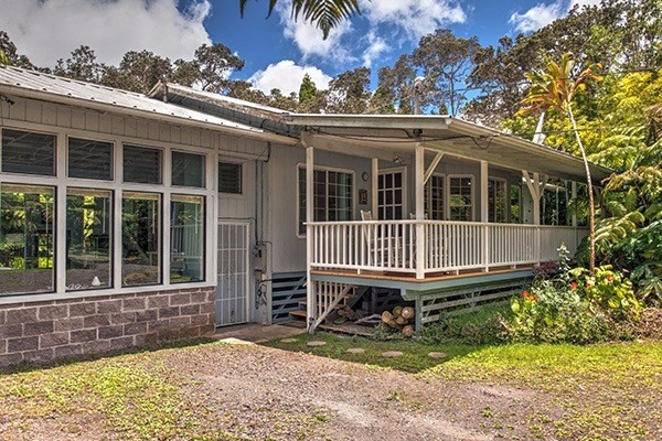 113811 11th St, Volcano, HI 96785