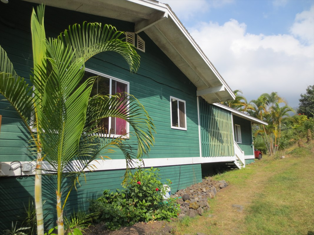 845252 Hawaii Belt Rd, Honaunau, HI 96726