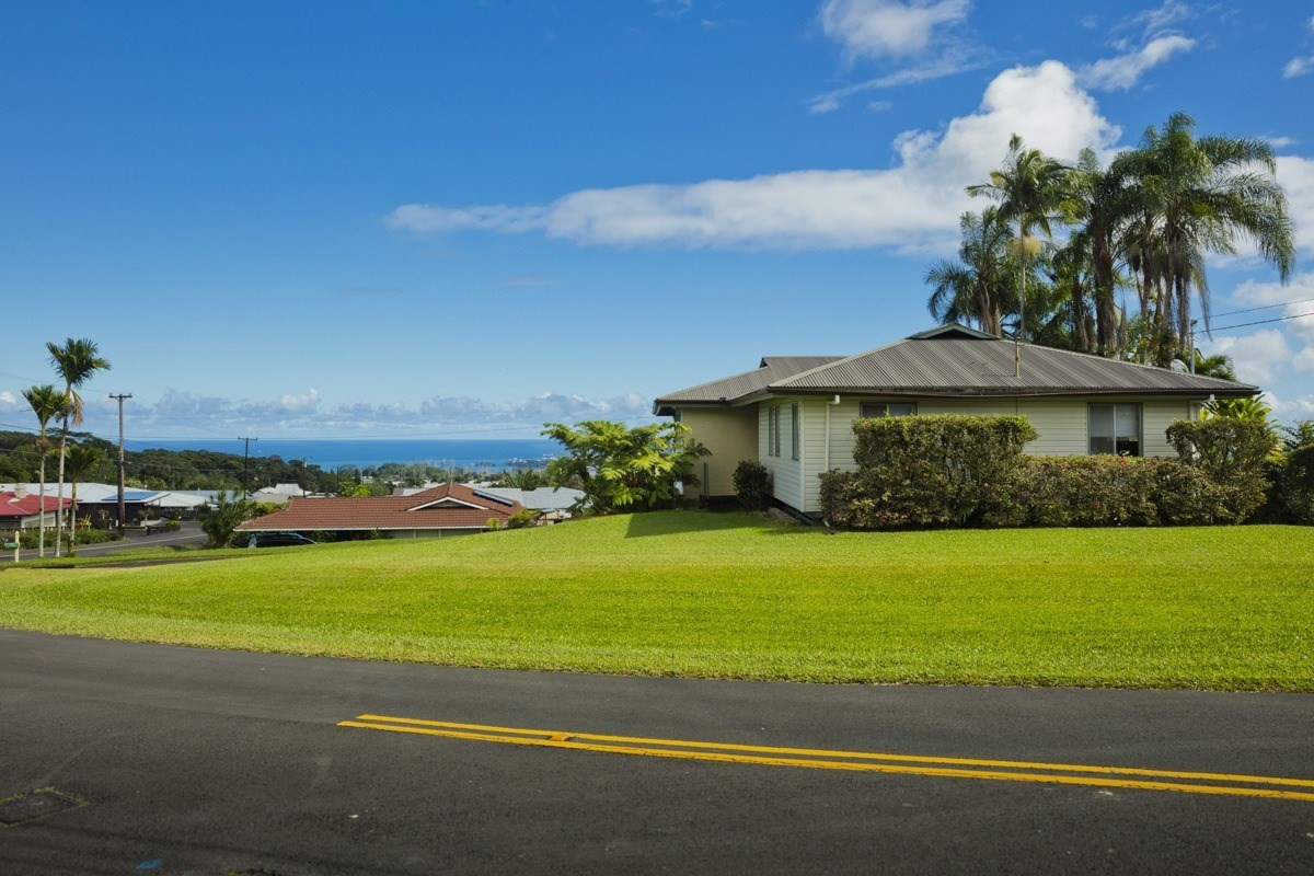 105 Terrace Cir, Hilo, HI 96720