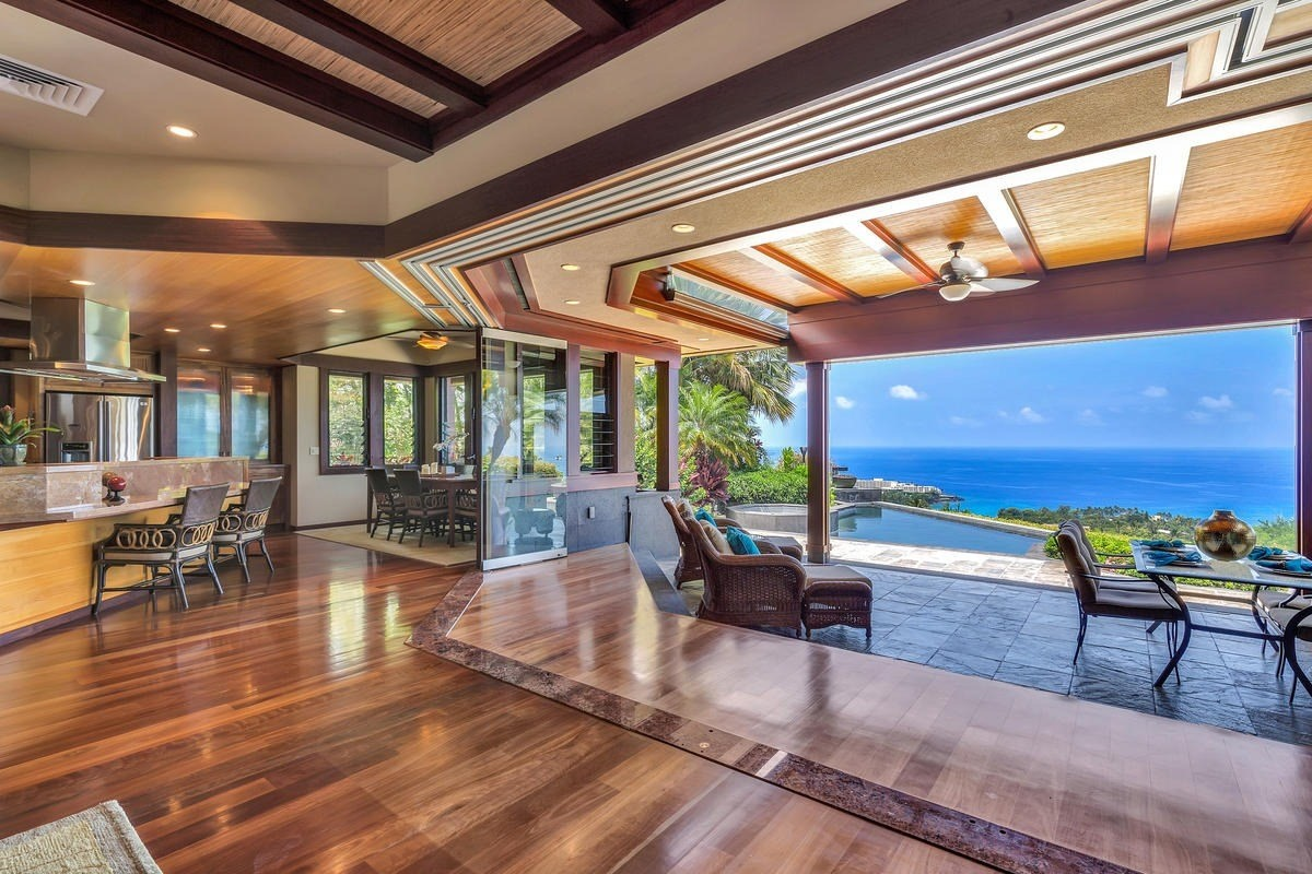 3 of bedrooms 3 of bathrooms Luxury Listing in North Kona