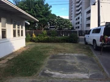 724 Ekela Ave, Honolulu, HI 96816