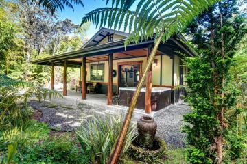 11-3807 10th St, Volcano, HI 96785