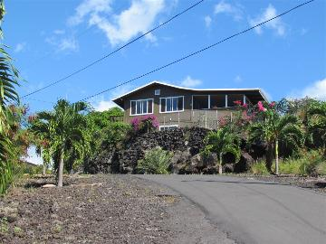 88-1540 Puhala Ave, Captain Cook, HI 96704