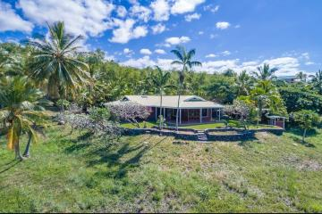 82-5994 Napoopoo Rd, Captain Cook, HI 96704